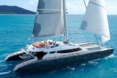 Allures - performance cruising catamaran - reaching