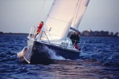 Cafe30 - cruising sailboat - upwind