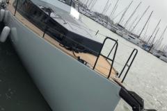 Turbocraft-Silverfin-pocket-explorer-yacht-bow